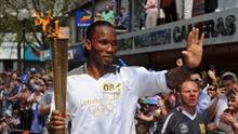 Didier Drogba Londoni olümpiatulega