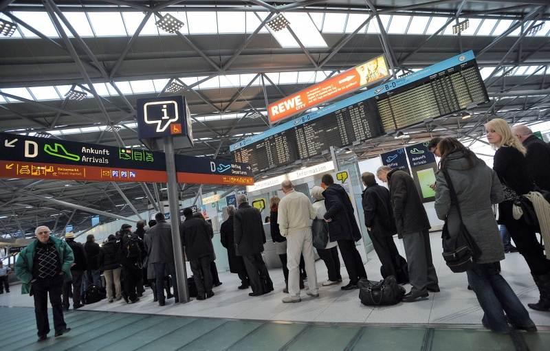 Размер за сколько времени до вылета начинается посадка пассажиров несмотря