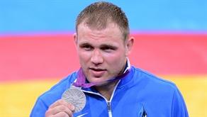 Esimene medal: Heiki Nabi võitis maadluse raskekaalus hõbeda